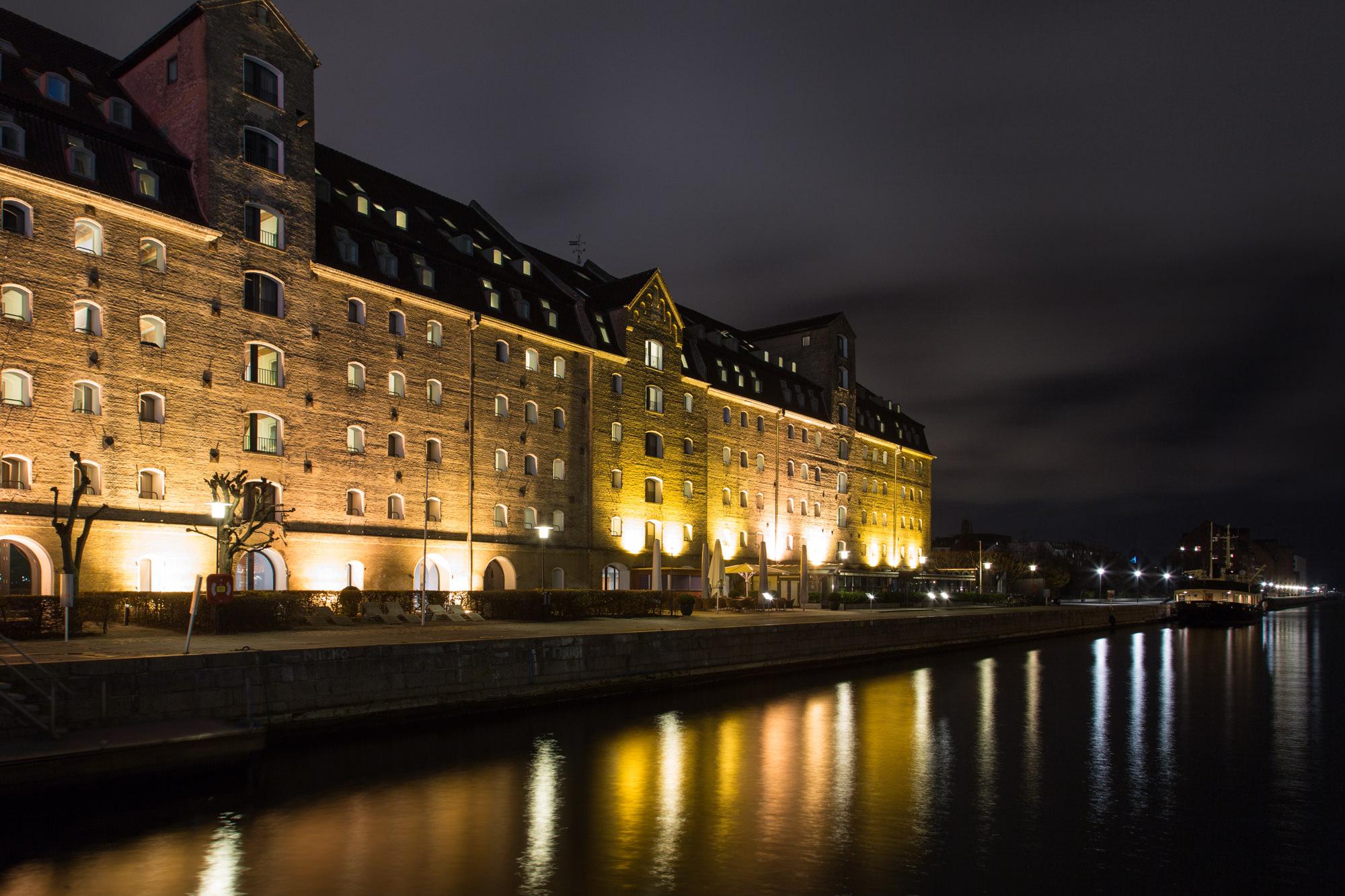 Salt bar og restaurant copenhagen admiral hotel for Cabin hotel copenhagen